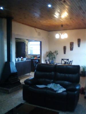 4 beds house to rent in roodepoort, with full cottage to rent