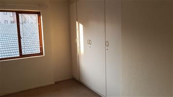 Kew 2bedrooms bathroom, kitchen, lounge, Rental R6000