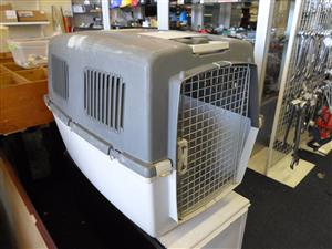 Large Traveling Dog Kennel