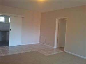 Clean 2 bedroom apartment for rent in diep river