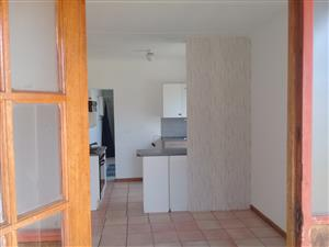 1 Bed pet friendly garden cottage to let, Upper Witpoortjie. Available Now.