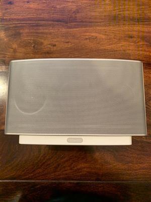 play 5 sonos speakers