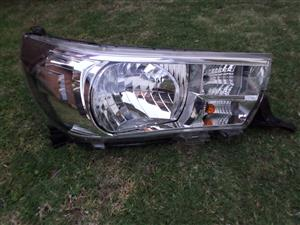 2017 TOYOTA HILUX HEAD LIGHT FOR SALE