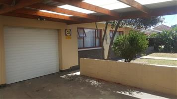Large 3 Bedroom House For Sale in Parow Valley