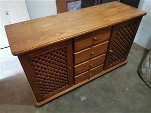 buffet / dishing table / cabinet