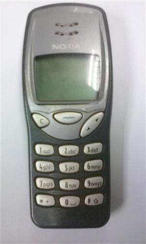 Nokia 3210 Cellphone