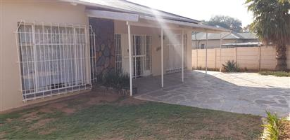 4 Bedroom house to let in Capital Park