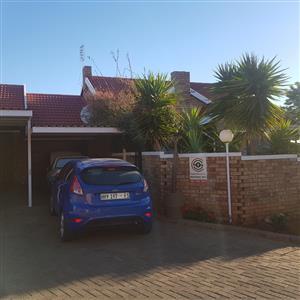 Beautifull Townhouse - Langenhovenpark - Bloemfontein FOR RENT - R6600pm.