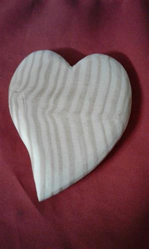 Wooden oil hearts