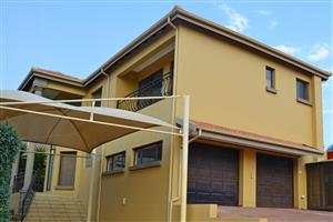 5 Bedroom double story to rent in secure upmarket estate