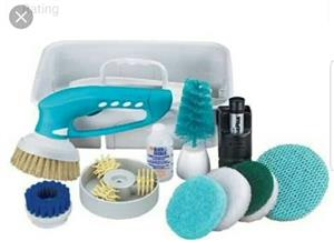 Scumbuster Black & Decker Scumbuster S410 Cordless Wet Scrubber  Includes 11 accesories and storage caddy  In Prestine working condition .
