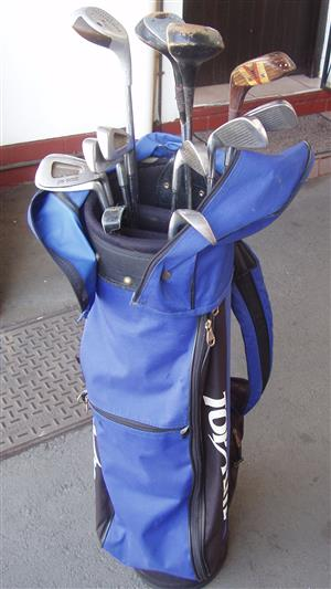 Golf Club Set - complete with clubs , drivers , putter and Golf Bag