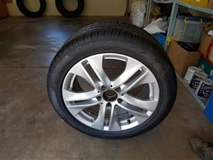Mercedes E-class W212 mag with brand new Pirelli tyre, Rand 1750,00