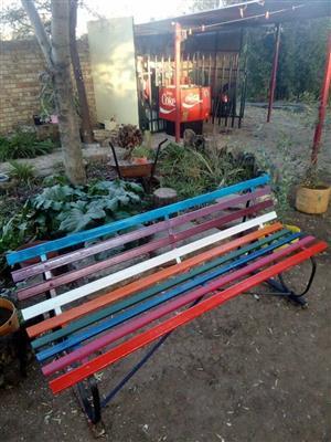 Staal tuin bankie verskillende kleure