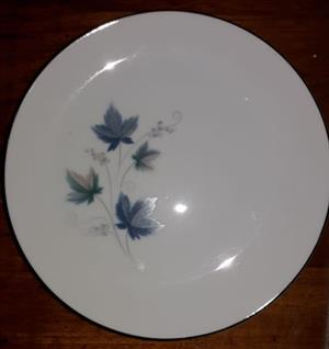 Noritake China Dinner Set For Sale