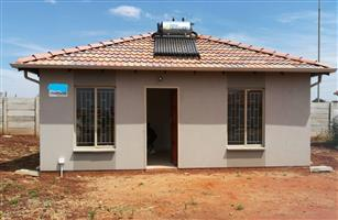 Large 2 bedroom houses in Rosslyn to rent