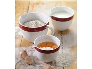 Kitchen aid nesting bowls set of 3 in as new still boxed