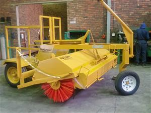 Macnay RS96 Sweeper with Hopper