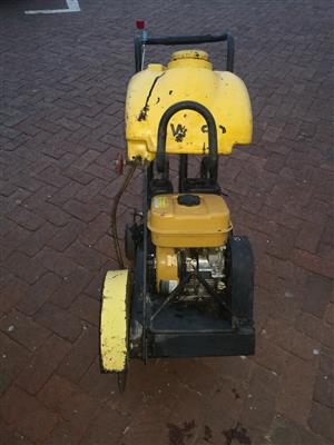 Concrete cutter or Asphalt cutter