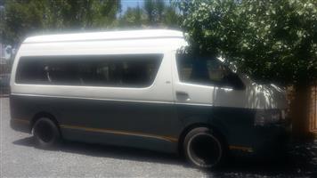 2008 Toyota Quantum 2.5D 4D GL 14 seater bus