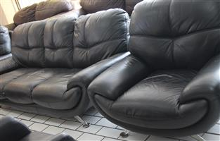 3 piece black leather lounge suite S032845A #Rosettenvillepawnshop
