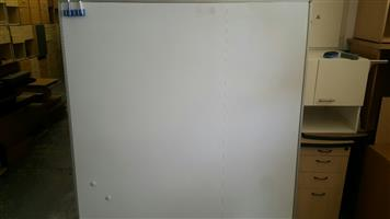 Magnetic whiteboard (1800mm x 1800mm)