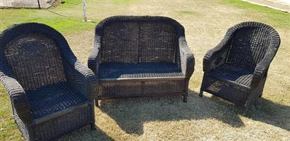 Outdoor set 2 seater and 2 x 1 seater. No cushions