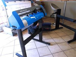 V3-1313 V-Smart Contour Cutting Vinyl Cutter 1310mm Working Area, plus FlexiSIGN Software