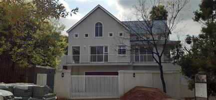Luxury 2 or 3 bed apartment to rent in Riverclub, Sandton