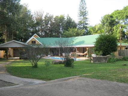 4 Bedroom Ranch Style House for sale in Banners Rest, Port Edward.