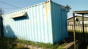 Renting out a 6 metre container in the busiest are of L Umlazi R1500