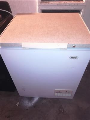 Chest freezer 180lt