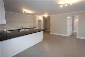 2 bedroom/2 bathroom flat to let in the Southern Surbubs