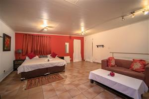 COZY GUEST HOUSE ROOMS!! GREAT DEALS AND GREAT PRICES!! FOR AS LITTLE AS R499 A NIGHT!!!