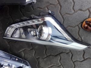 2016-2018  Hyundai Tucson left headlight and Hyundai creta right headlight