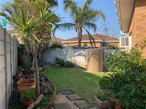 IN PERFECT CONDITION AND NO MAINTENANCE! FACE BRICK DELIGHT AND NEAT AS A PIN IN PROTEA HEIGHTS!
