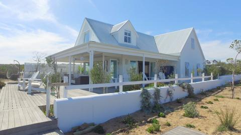 4.0 bedroomFor Sale  in GROTTO BAY