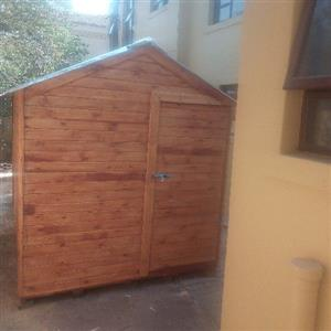 TT Wendy house and log cabin for sale