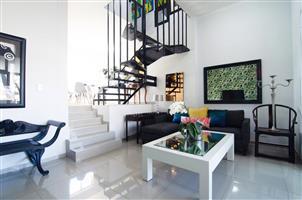 Umhlanga 5 sleeper garden apartment next to the Oyster Box Hotel