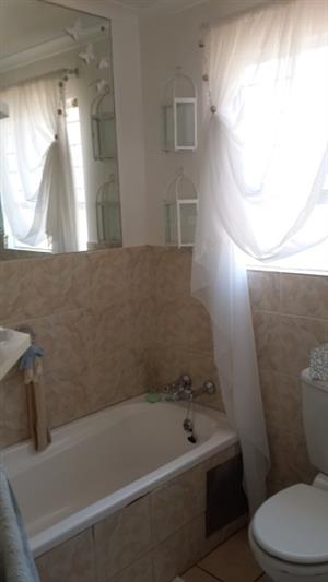 Lovely Large Townhouse to rent