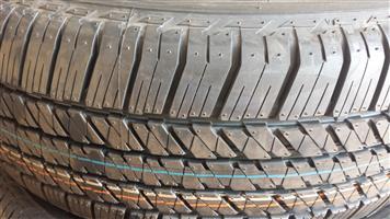 Tyres. 265.60.18 Bridgestone Dueler D684.
