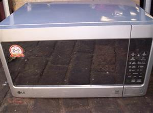 LG 40 litre microwave oven