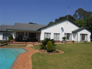 5 Bedroom House for Sale in Garsfontein