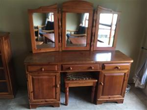 Oregon Dressing Table with chair