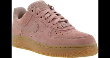 Nike Air Force 1 07 SE in Pink Suede for sale (R800)