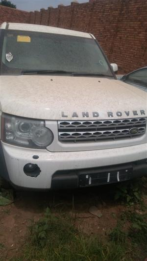 We are stripping land Rover Discovery 4 2011 3.0 V6 DIESEL