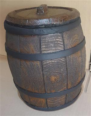 Ice Bucket: Plain Barrel Design. Brand New Product.