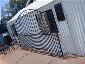 Sliding Driveway Gate 2.9m x 1.9m  - R1300 - Randfontein  Contact Wessie 084-587-0820