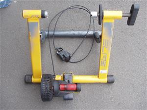 Bicycle trainer - Elite - in excellent condition