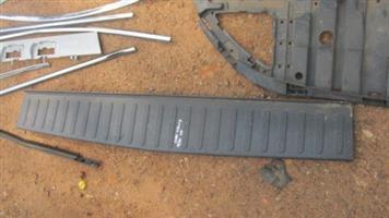 2014 chev utility rear bumper insert